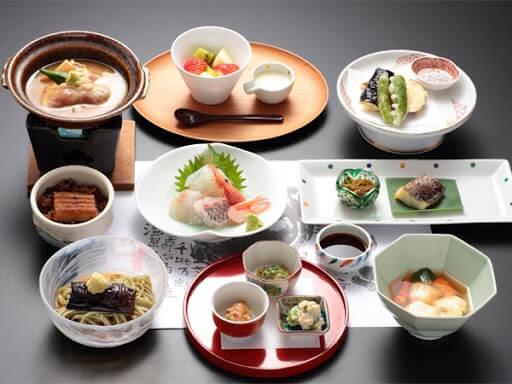 Trình bày món ăn Nhật Bản